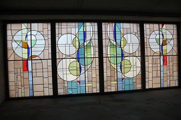 Matalovy vitráže vprostějovském Prioru