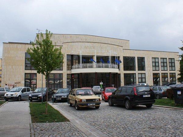 Společenský dům na ulici Komenského.