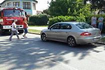 Nehoda auta a chodce v Němčicích nad Hanou