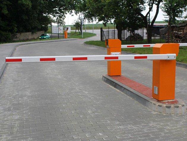 Parkoviště v Čechách pod Kosířem