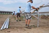 V Určicích staví první ze čtyř slunečních elektráren