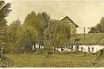 ZMIZELÁ HISTORIE. Funkční mlýn, to byla tradiční součást Štětovic. Vedly sem také náhony, které však později získal vrbátecký cukrovar. Měnil se tak zčásti i tok říčky Blata. Dnes už mlýn připomínají hlavně fotografie.