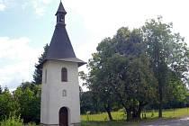 Vysoká zvonička v Nivě