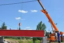 Stavba nového mostu přes říčku Romži v Držovicích