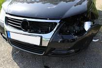 Následky střetu se srnou na silnici mezi Žárovicemi a Drahany
