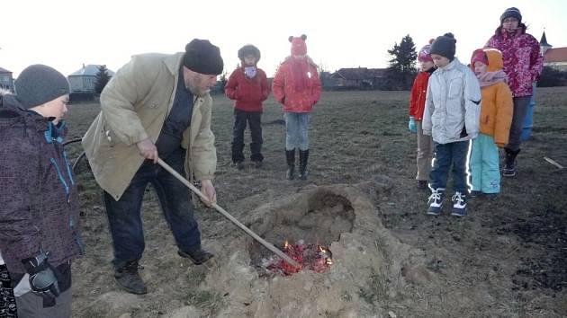 Silvestrovské pálení v Drahanech