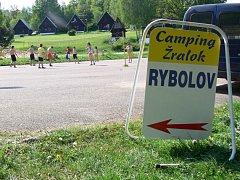 Camping Žralok u Plumlovské přehrady. Ilustrační foto.