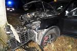 Nehoda řidiče Porsche Cayenne mezi Smržicemi a Dubany