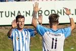 Fotbalisté 1. SK Prostějov (v modrobílém) v utkání s Hradcem Králové.