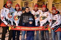 Prostějovští hokejisté si na náměstí zabruslili se svými fanoušky.