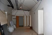 Neutěšený stav dřevěných konstrukcí v přístavbě prostějovské radnice