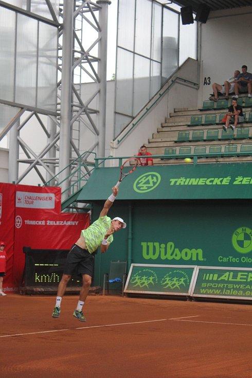 Na prostějovských kurtech probíhá první kolo turnaje Czech Open. Dmitrij Popko