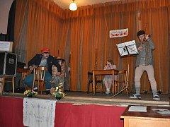 Divadelní soubor Živňácké hlahol měl s představením hry Nešťastný šafářův dvoreček velký úspěch
