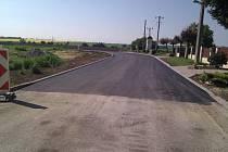 Západní ulice - cesta ke hřbitovu po rekonstrukci