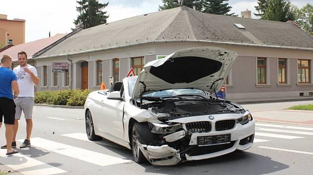 Bouračka BMW a dodávky v Olomoucké ulici v Prostějově