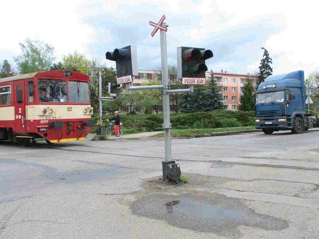 Padlo rozhodnutí: u kolejí budou závory