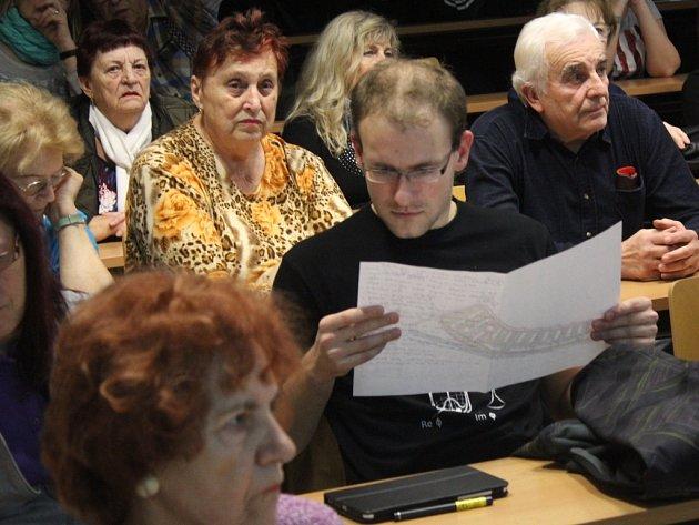 Obyvatelé sídliště debatovali s představiteli města a architektem o podobě Šárky