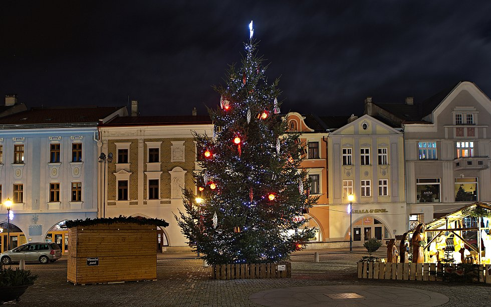 Vánoční strom 2020 v Hranicích.