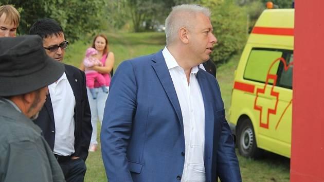 Ministr vnitra Milan Chovanec přijel do Pavlovic. Řešil i to, co s nevyužívanou budovou zbrojnice.
