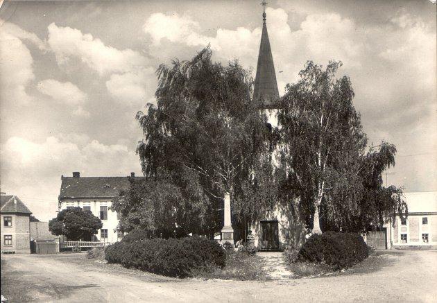 V dalším díle seriálu Jak jsme žili v Československu, jsme se podíváme na historii obce Vrbátky.