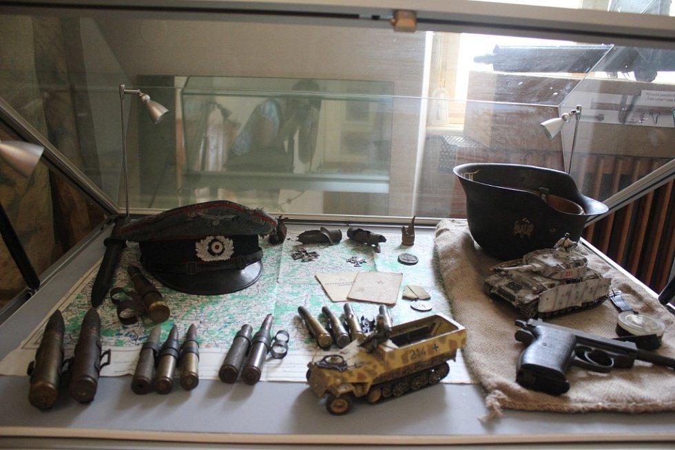 Plumlovský zámek - Výstava s názvem Konec druhé světové války na Prostějovsku