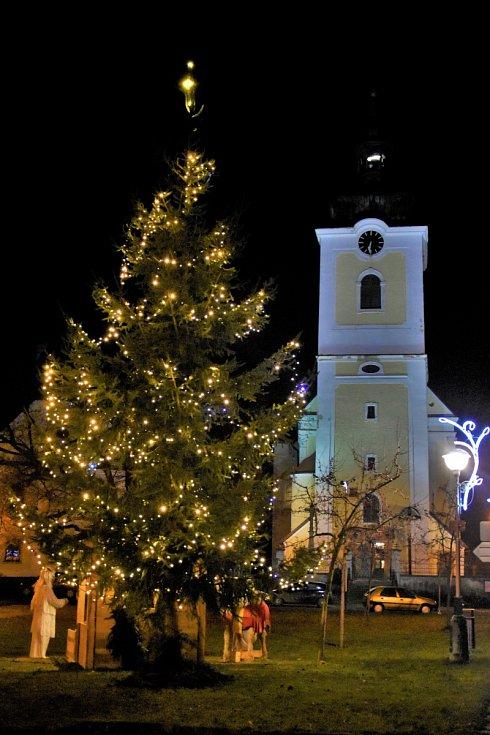 Vánoční strom 2020 v Senici na Hané