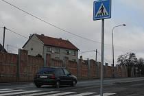 Silnice číslo 150 by měla projít rekonstrukcí. Na snímku úsek ve Stínavě