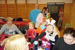 Nedělní dětský karneval v Němčicích nad Hanou byl ve znamení pohádky Sněhurka a sem trpaslíků. 26.1. 2020