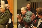 Setkání obyvatel s politiky v Čechovicích