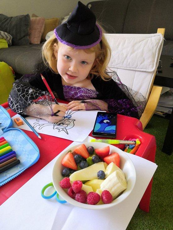 Děti by měly pravidelně konzumovat dostatek vitamínů, minerálních látek.