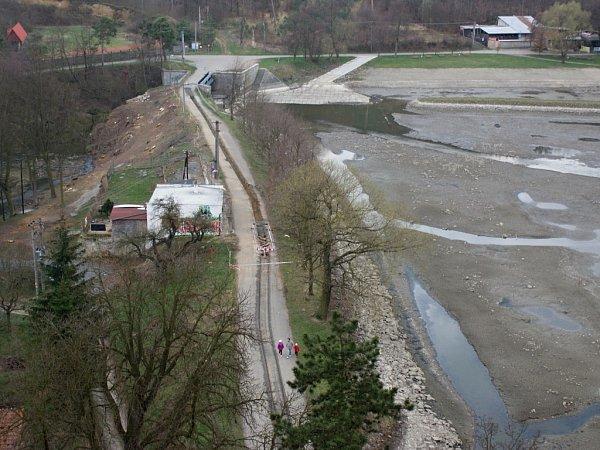Oprava hráze Podhradského rybníka vPlumlově