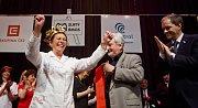 Vítězkou soutěže o nejoblíbenějšího učitele Zlatý Ámos se stala 28. března v Praze Ivanka Hájková z Gymnázia Jiřího Wolkera v Prostějově