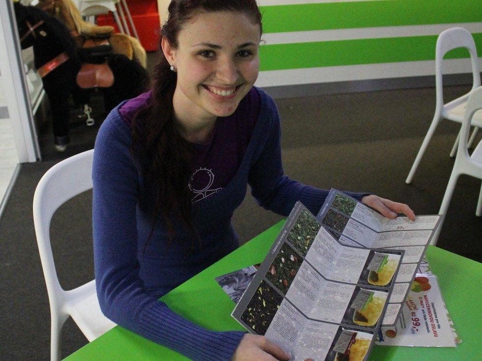 Restauratéři se poprali s nařízením Evropské unie, která přikazuje zapsat do jídelních lístků alergeny v jídlech, po svém. Někteří mají vše hotové, jiné podniky narychlo svou nabídku upravují.