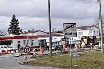 Aktuálně se v souvislosti s budováním Severního obchvatu pracuje i na komunikaci Za Olomouckou ulicí. Výjezd z kruhového objezdu je ve směru k celnici uzavřen.