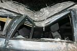 Štěstí v neštěstí měl řidič Octavie, na kterého spadl strom při cestě z Nivy do Protivanova.