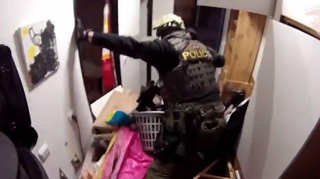 Vyhrocenou situaci v prostějovském bytě musela řešit zásahovka