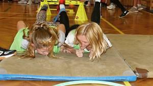 Olympijský trénink v rámci projektu Sazka Olympijského Víceboje na základní škole v Plumlově