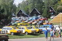 V plumlovském campu Žralok se o víkendu konalo 1. moravské setkání automobilů a motorek RVHP. Nadšenci a majitelé historických vozidel přijížděli do Plumlova z celé republiky, ti nejvzdálenější byli až ze slovenské Prievidze.
