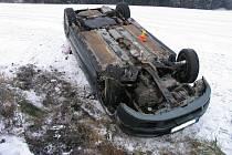 Nehoda mezi Hvozdem a Březskem.