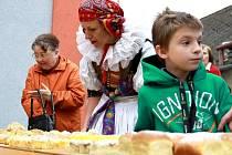 Hody a stavění májky v Držovicích