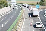 Řidiče stále trápí na D46 u Olšan oboustranné zúžení do jednoho pruhu.