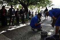 Další Kameny zmizelých byly umístěny v několika prostějovských ulicích. 1.7. 2021