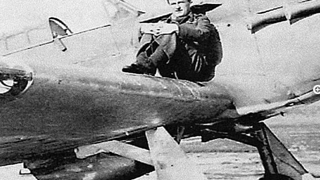 Válečný hrdina a zasloužilý letec Zdeněk Škarvada
