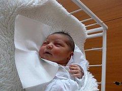Onur Hangurbadžo, Studenec, narozen 25. ledna, 47 cm, 3055 g