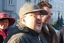 SOUDÍ SE. Ivan Čech je se svým bývalým zaměstnavatelem v soudní při.