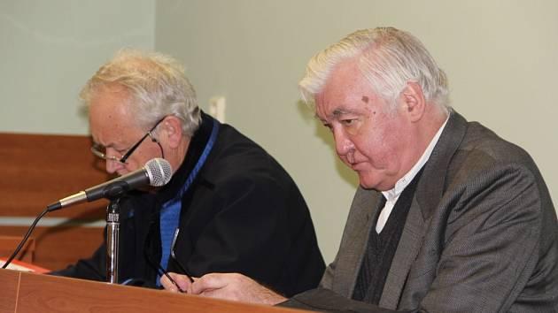 Soud s obžalovaným Vladimírem Krejsou (vpravo)
