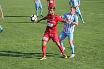 Fotbalisté Prostějova (v modrém) doma porazili lídra soutěže.