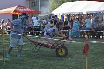 Tradiční jízda na tragačích pobavila několik stovek návštěvníků.