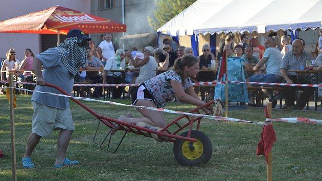 Ve Slatinkách proběhl další ročník tradiční jízdy na tragačích