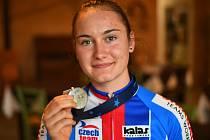Dráhová cyklistka Gabriela Bártová získala na mistrovství Evropy juniorek stříbro ve vylučovacím závodě.